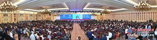 共创低碳未来!卡特彼勒亮相第十二届国际基础设施投资与建设高峰论坛